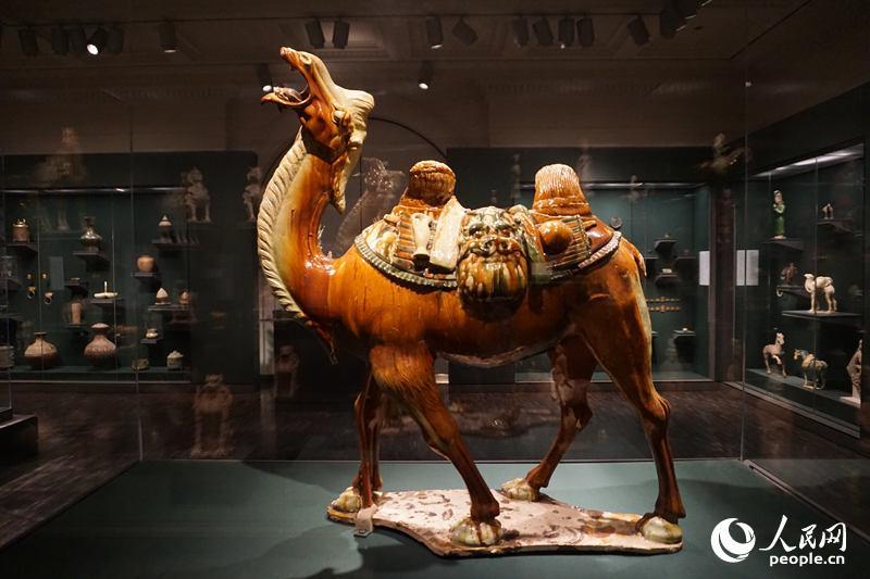 在汉朝至唐朝年间的贵族墓葬中,出土了大量以真实动物或虚构动物为