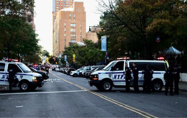 纽约曼哈顿发生卡车撞人恐怖袭击事件8人死亡