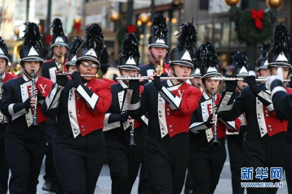 美国芝加哥举行感恩节游行【4】