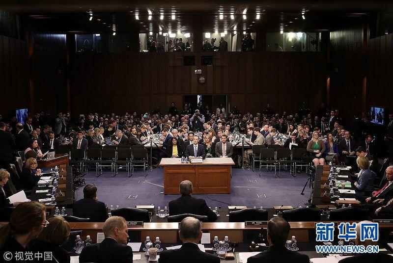 美国:脸书创始人扎克伯格向国会作证 被记者层层包围